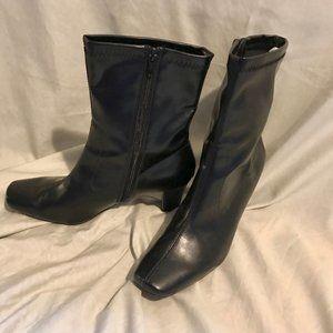 Bootie, black, high, block heel, NWOT, 8.5